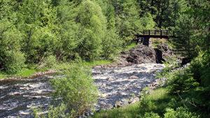 copper-falls-bridge