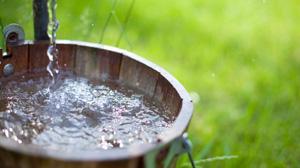 well-bucket